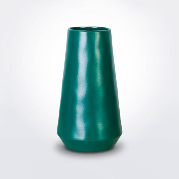 Green vulcano vase product photo.