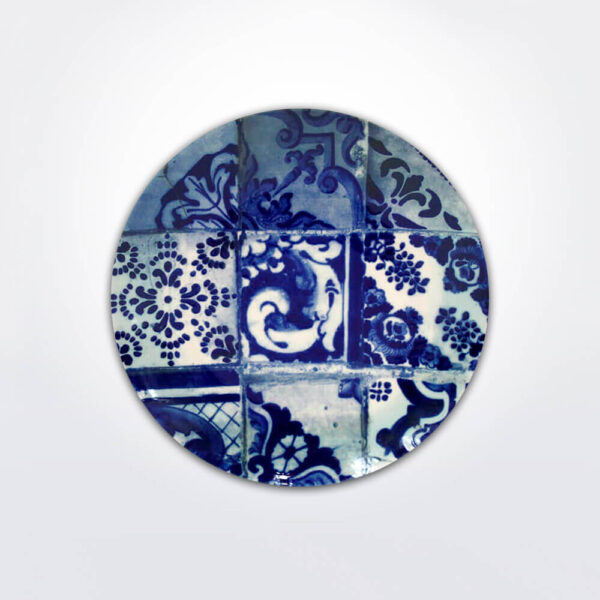 Lisboa buffet plate set gray background.