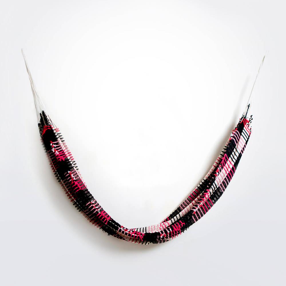 Black-and-red-yawalapiti-cotton-hammock-16