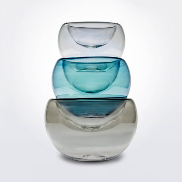 Triplet glass vase set product picture.