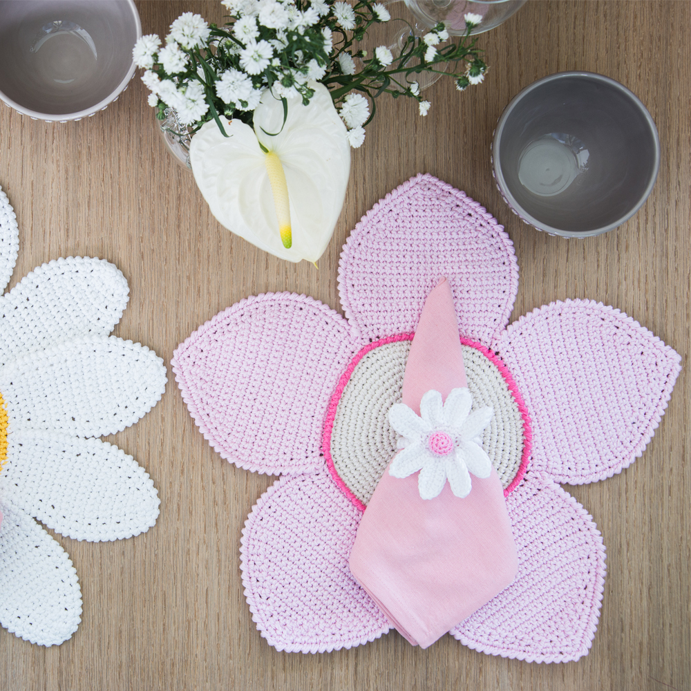 Crochet-Daisy Napkin-Ring-Set- I-6