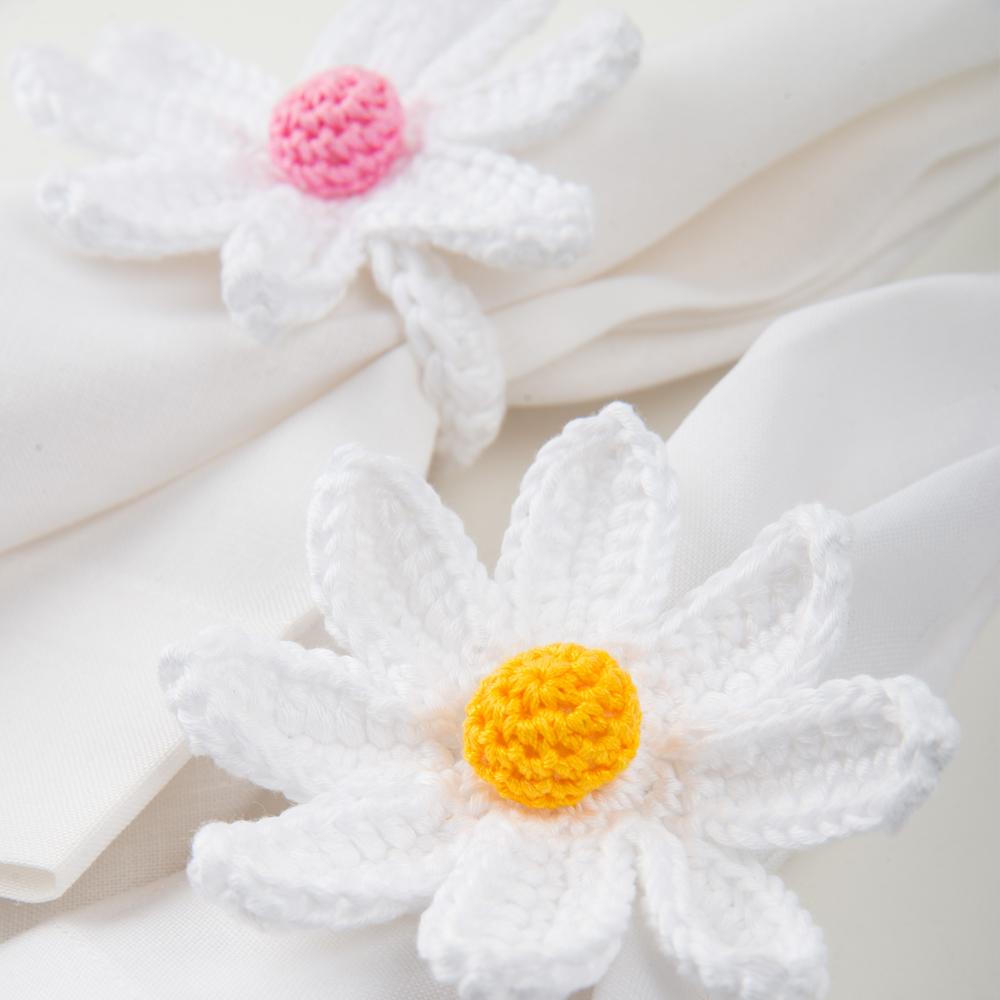 Crochet-daisy-napkin-ring-set-I-2