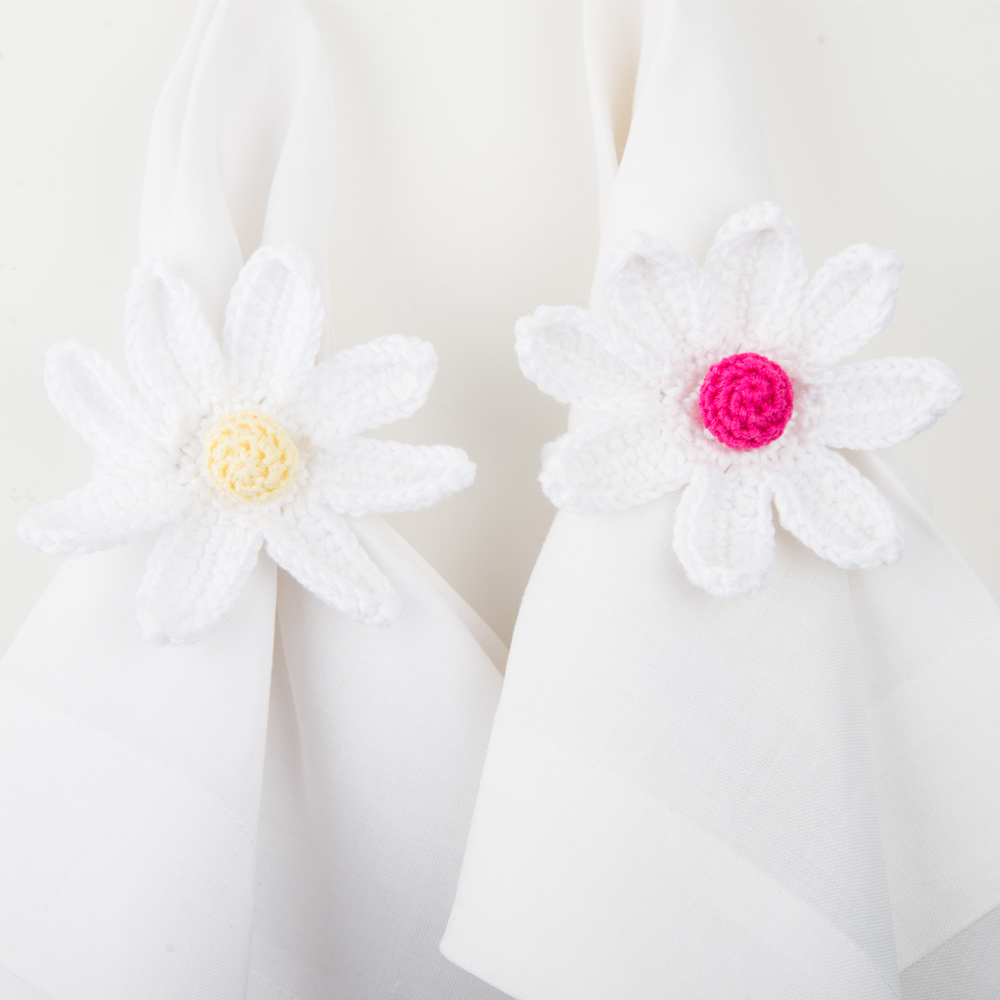 Crochet-daisy-napkin-ring-set-II-2