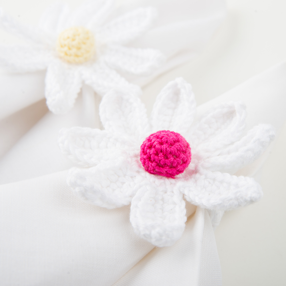 Crochet-daisy-napkin-ring-set-II-3