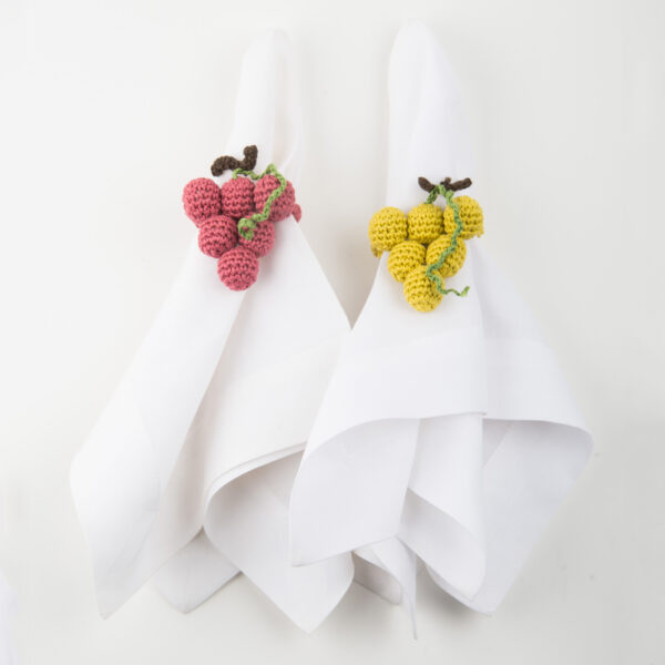 Crochet grape napkin ring set II complete set.