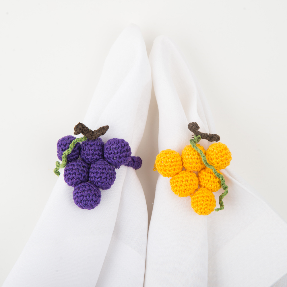 Crochet-grape-napkin-ring-set-III-3