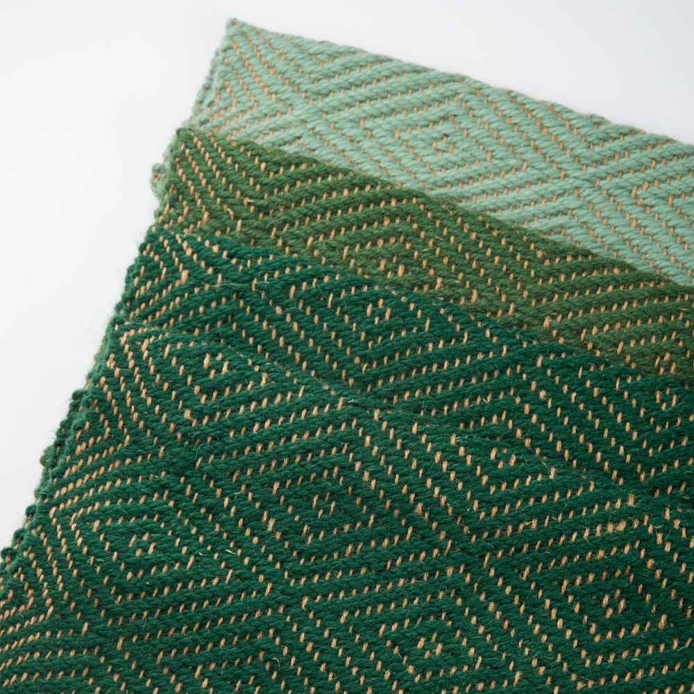 Green-wool-and-jute-bed-runner-2