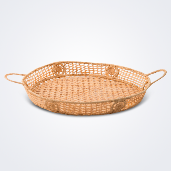 Raffia round basket product photo.