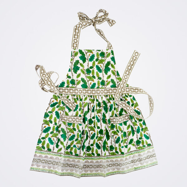 Oak leaf motif apron product picture.