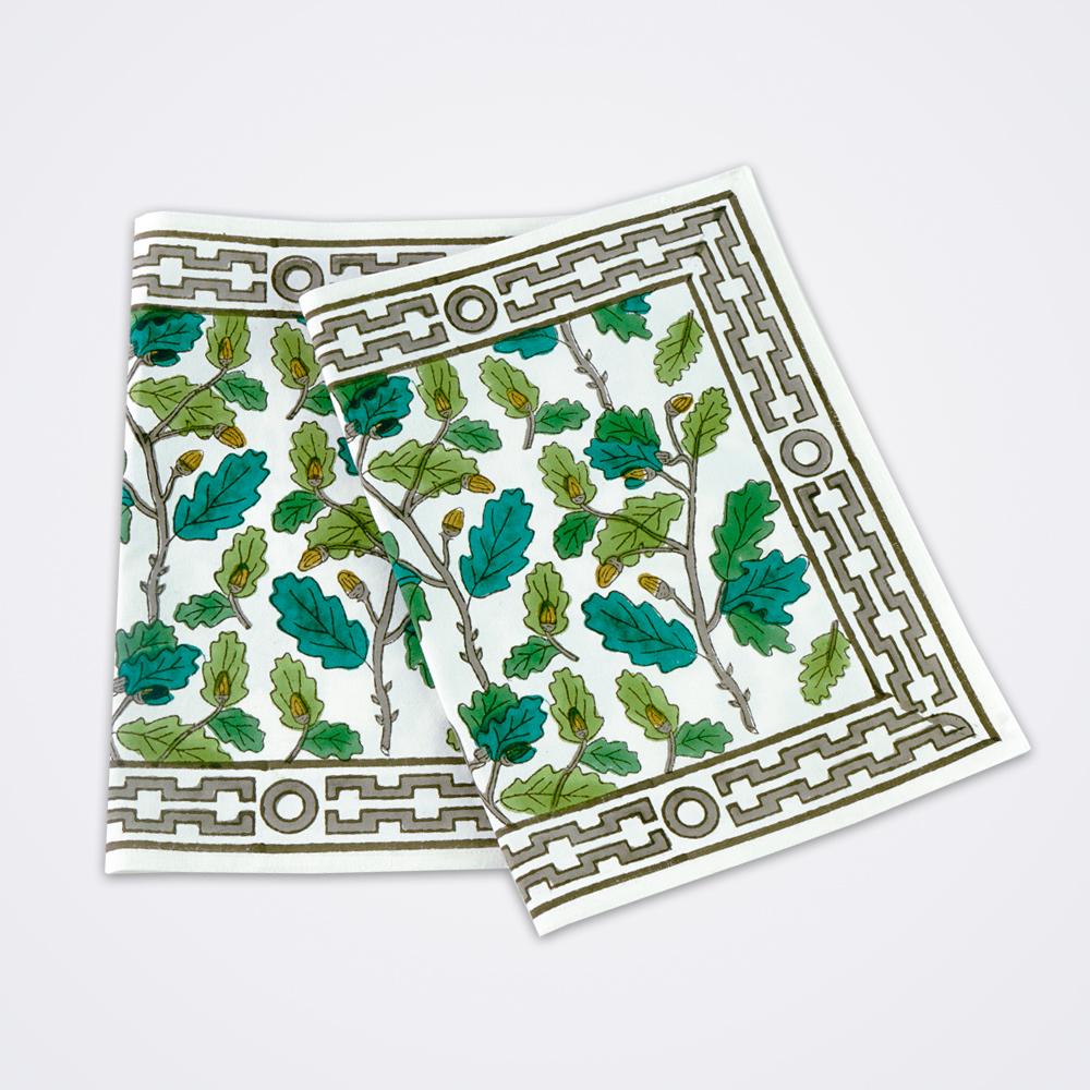 Oak-leaf-motif-placemat-set
