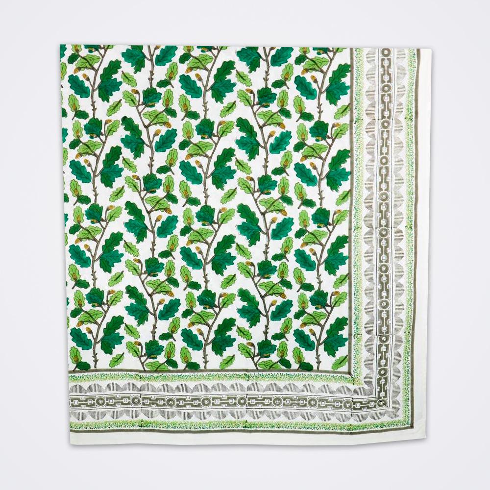 Oak-leaf-motif-tablecloth