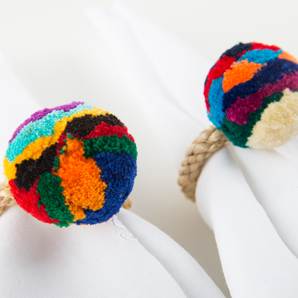 Pompom-multicolor-napkin-ring-set-3