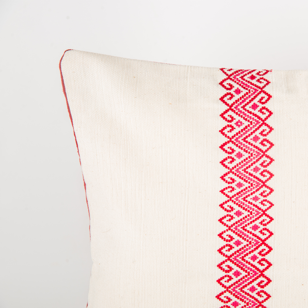 Red-stars-and-stripes-pillow-cover-2