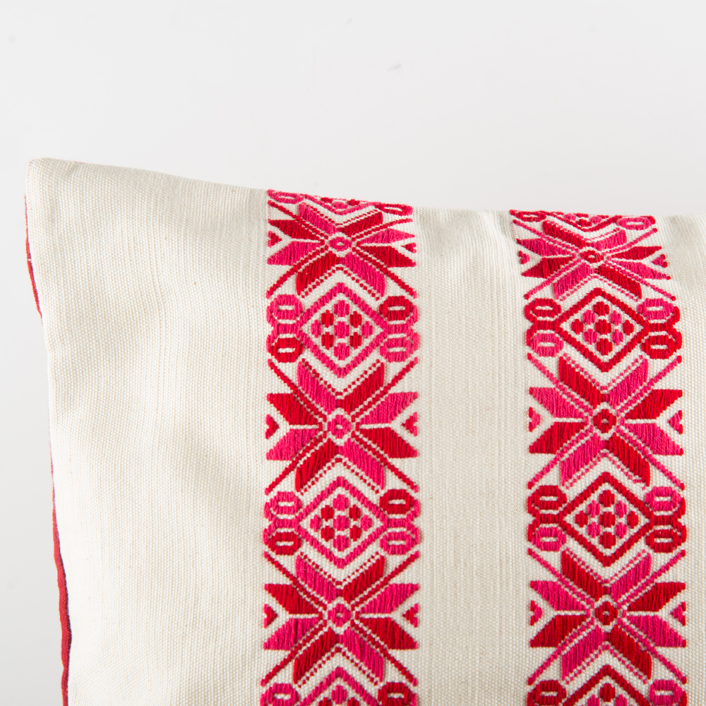 Red-stars-square-pillow-cover-3
