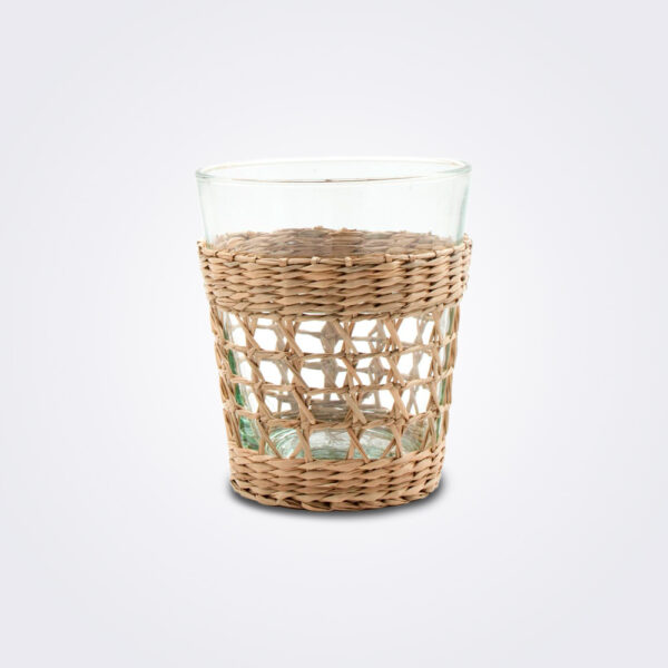 Seagrass cage tumbler set details.