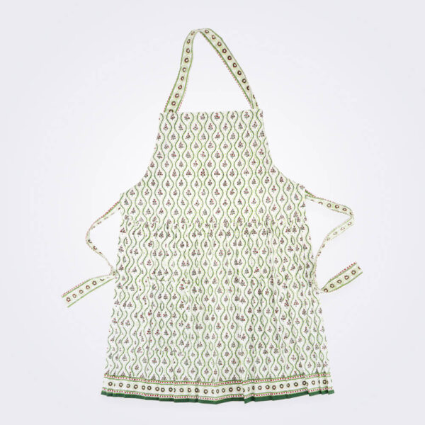 Tree farm apron product picture.