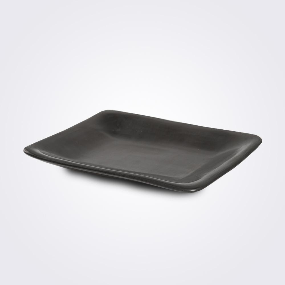 Barro-negro-plate-large-1