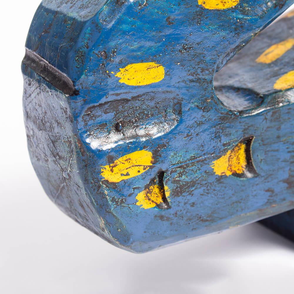 Blue-wooden-lizard-3