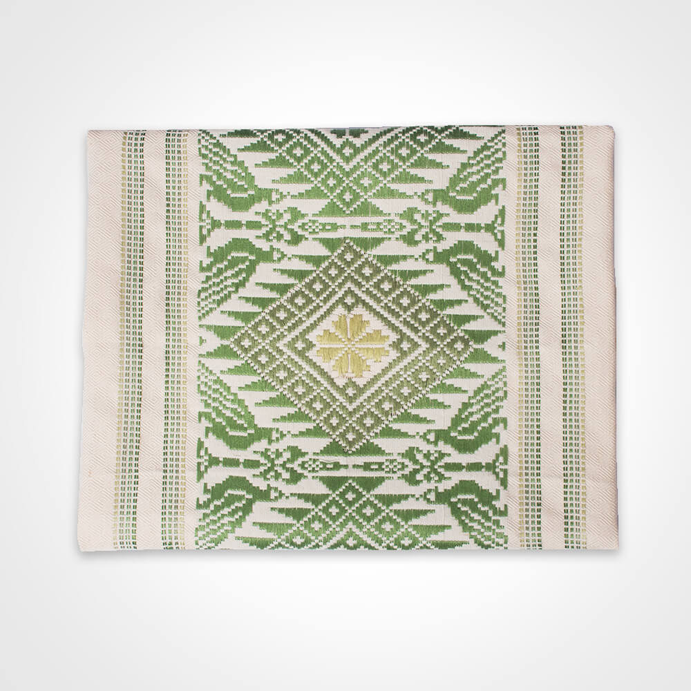 Green clover maxi table runner 1