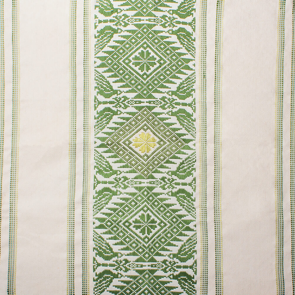 Green clover maxi table runner 2