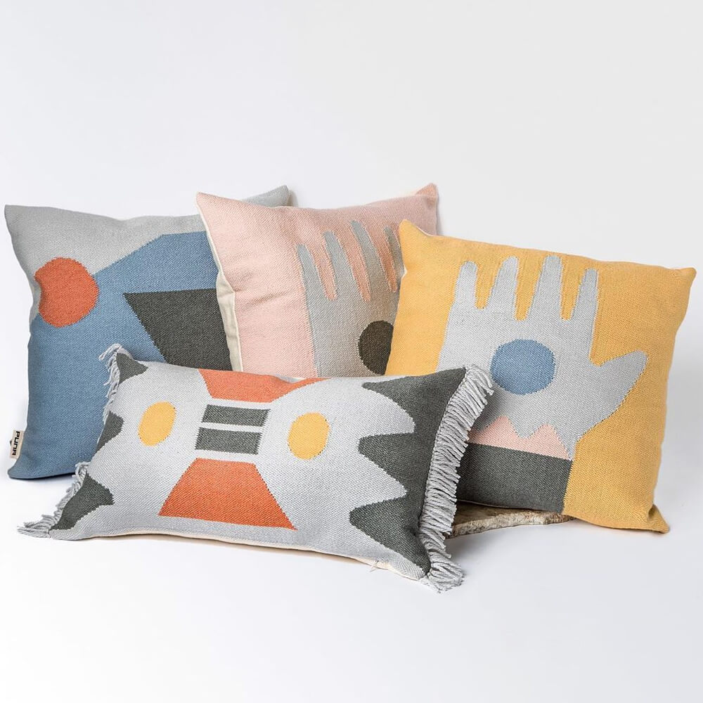Gloom-geometrical-pillow-cover-5