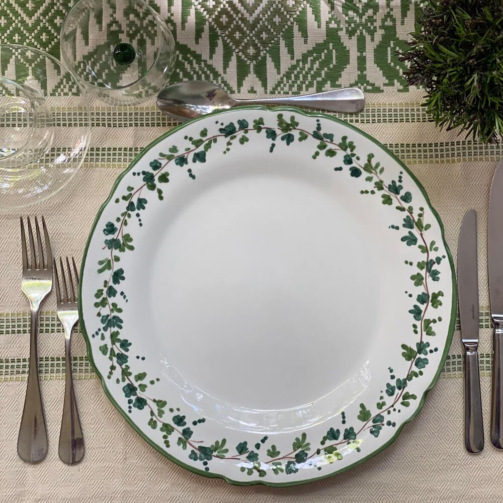 Green-clover-maxi-table-runner