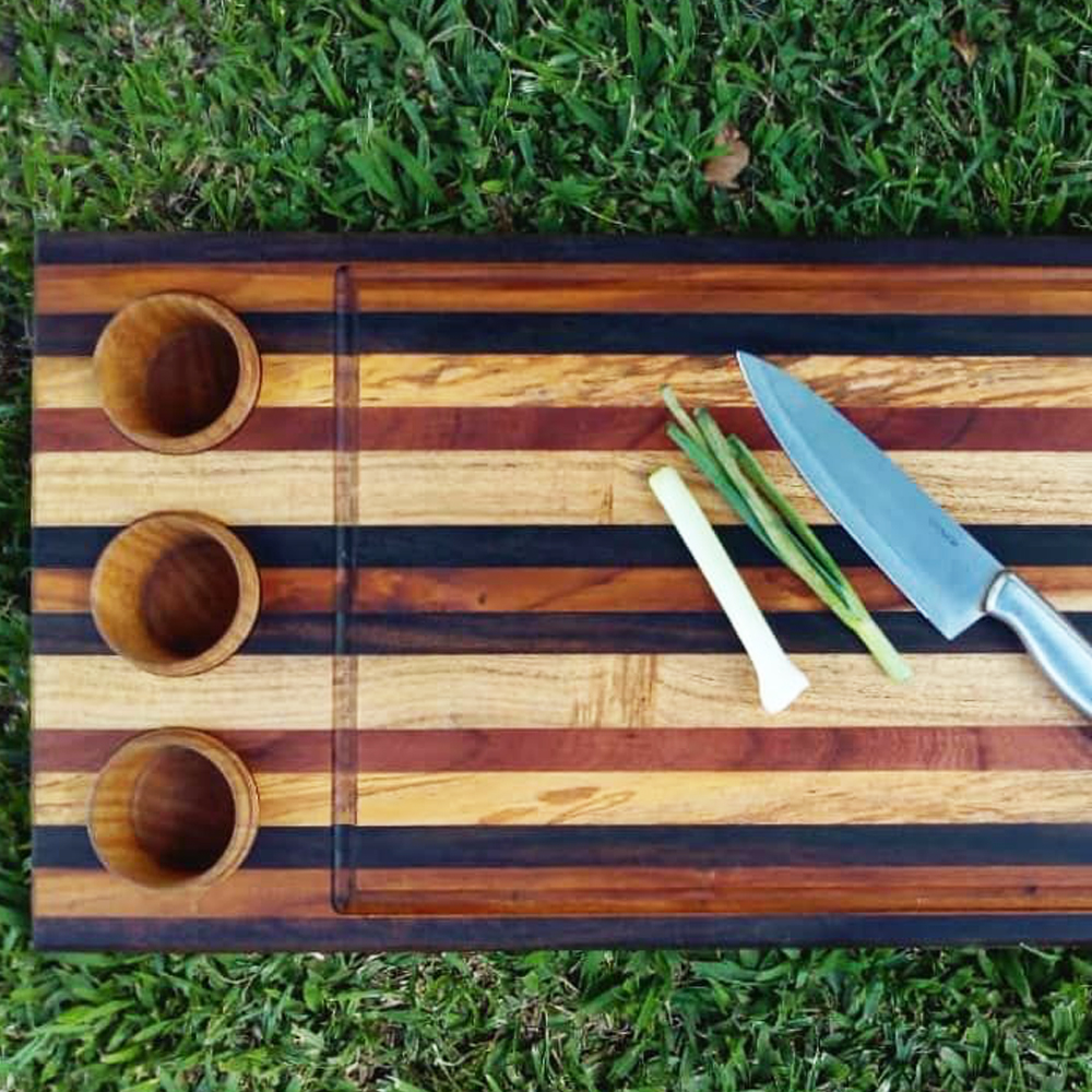 Wood-cutting-board-with-containers-context