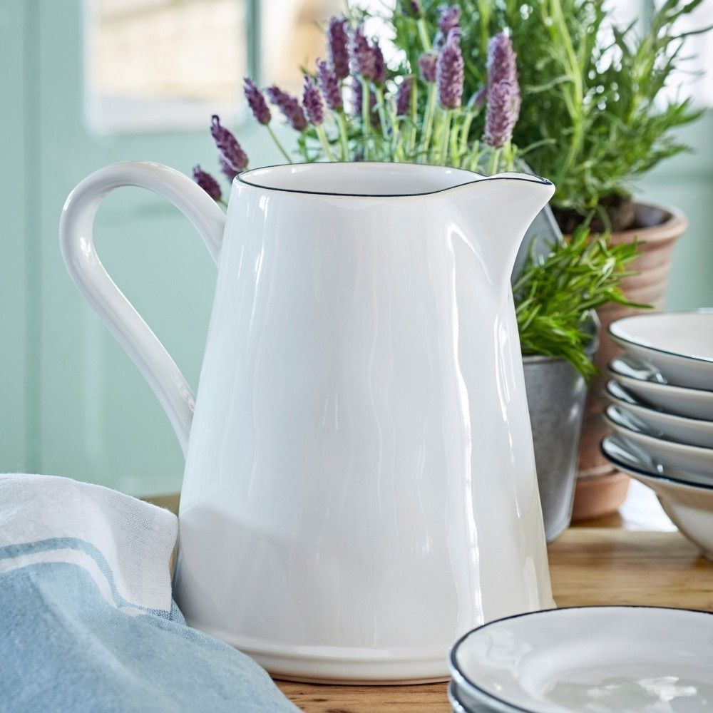 Beja-ceramic-pitcher-2