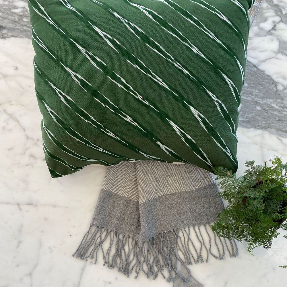 Green Serpentine Square Pillow Cover