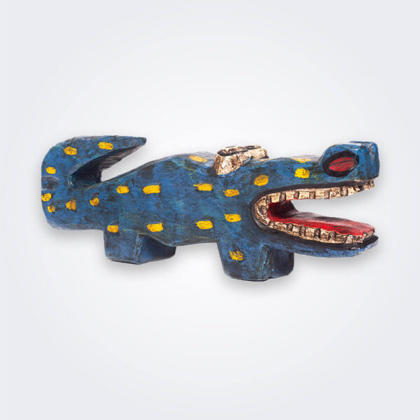 Blue wooden lizard product picture.