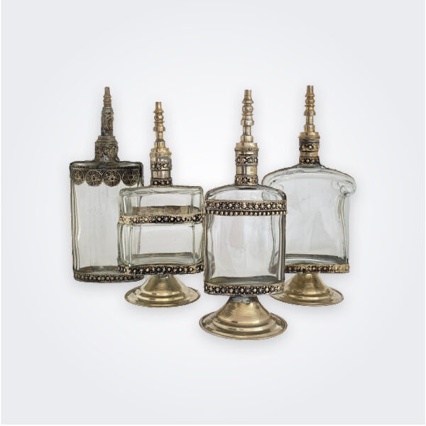 Clear perfume bottle set product picture.