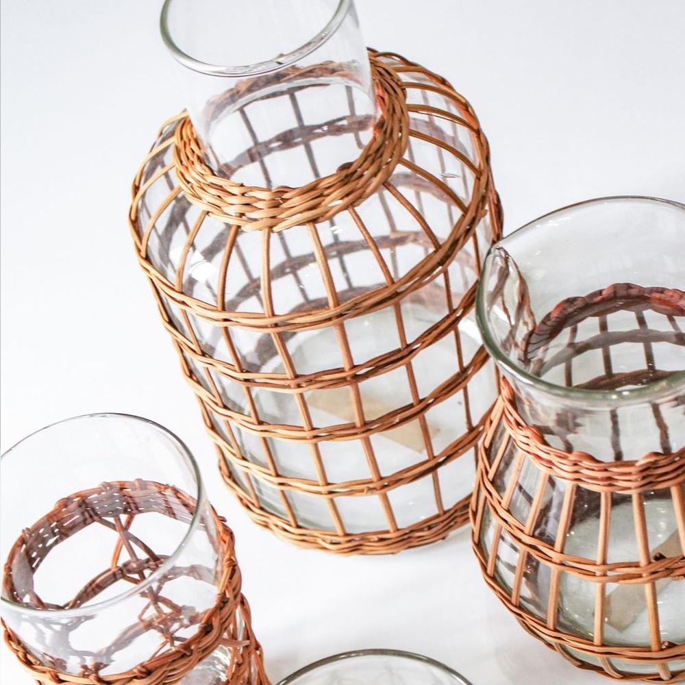 Rattan-cage-carafe-vase-4
