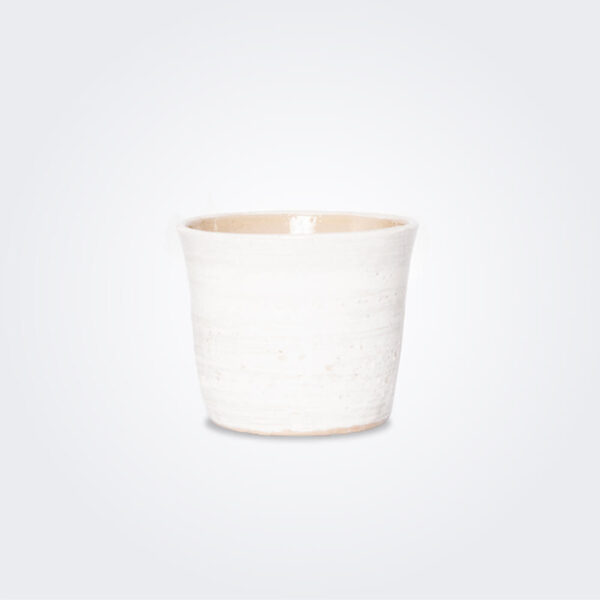 White ceramic pot product picture.
