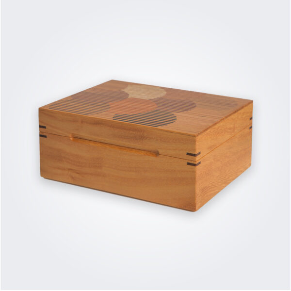 Wood tea box product picture.