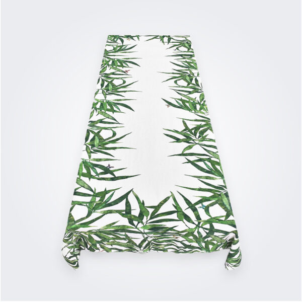 Green palmier tablecloth product picture.
