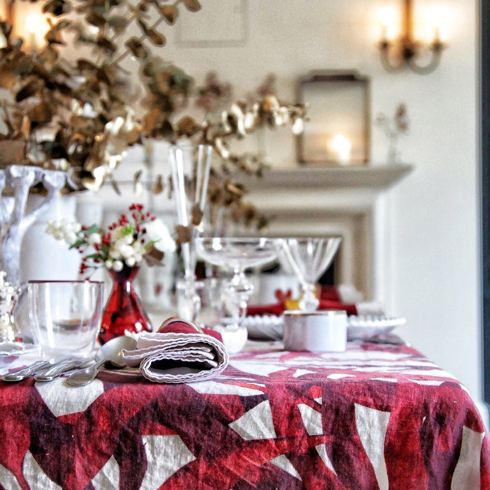 Les Palmiers Linen Tablecloth in Red S 6