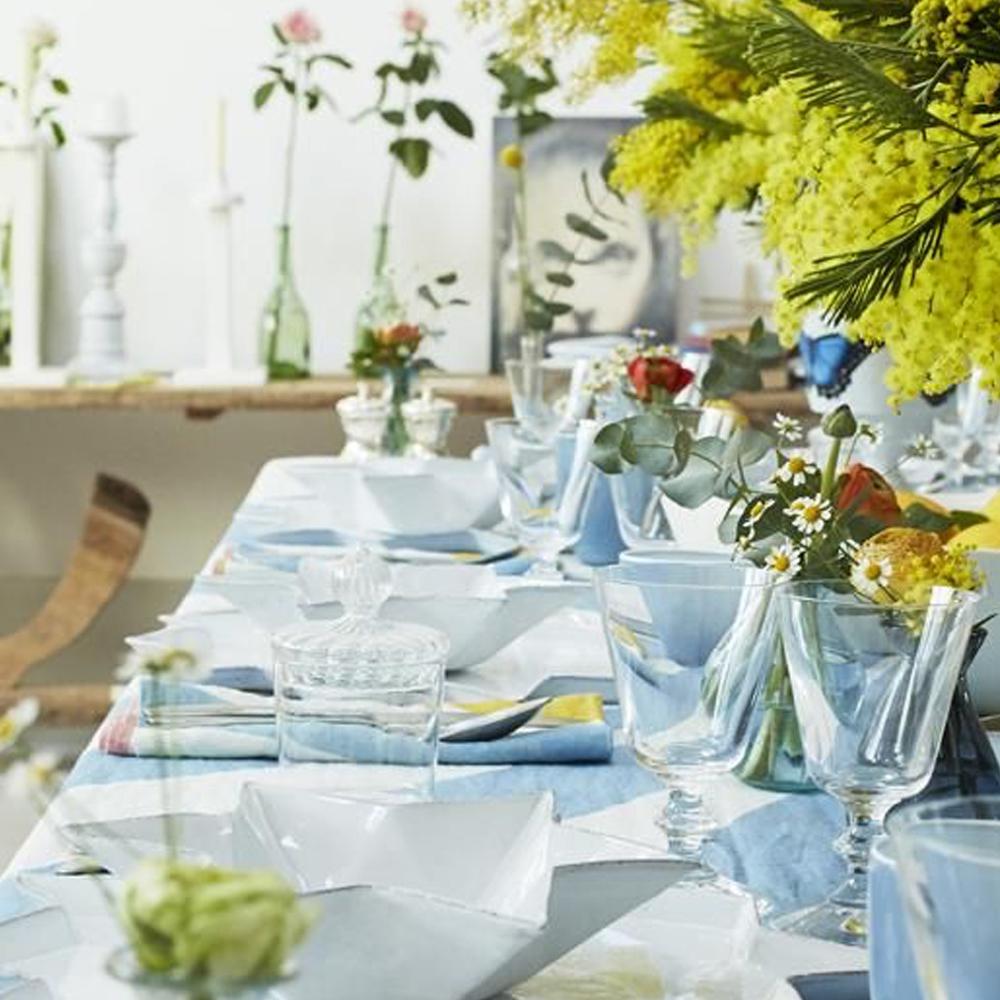 Small-Blue-Cirque-Tablecloth-4