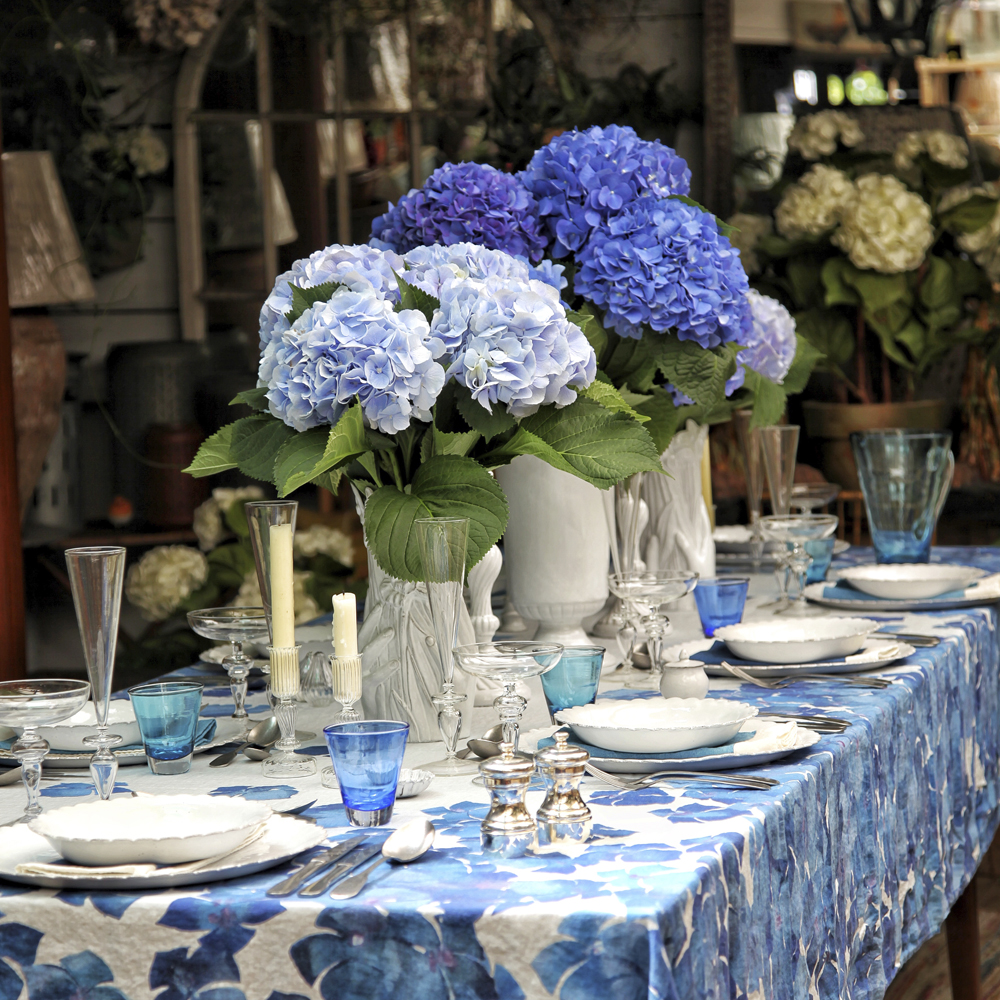 Large-Hydrangea-Flower-Tablecloth-5