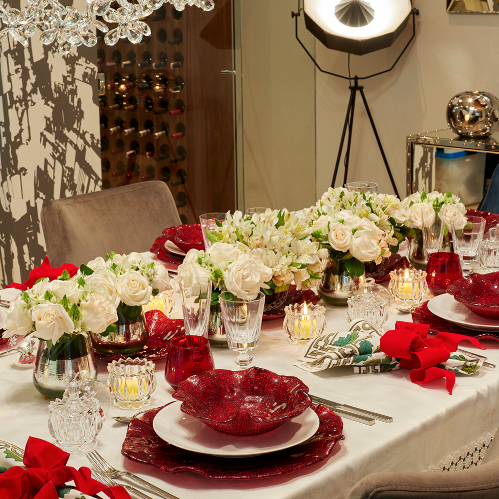 Folies-red-wavy-plates