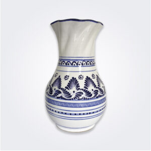 Talavera pottery vase product picture.